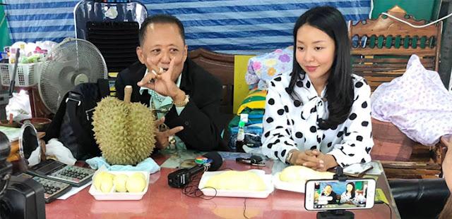 Gadis Penjual Durian Cari Jodoh, Calon Suami Dijanjikan Rp4 Miliar