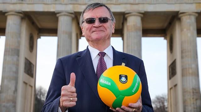 Újraválasztották az Európai Röplabda Szövetség elnökét