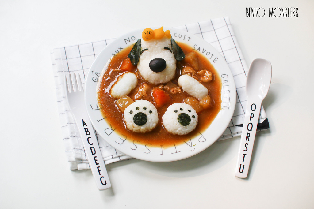09-Snoopy-and-Woostock-Curry-Li-Ming-Lee-Kyaraben-Bento-Monsters-Themed-Lunch-Art-www-designstack-co