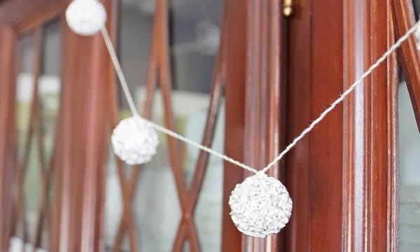 Simple Silver Metal Ball Garland | Silver and Gold Holiday Series | #silverandgold #christmas #holiday #diychristmas