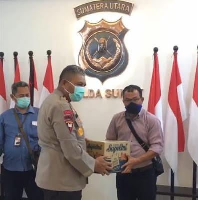 Efek Virus Corona, Kapolda Sumut Beri Sembako ke Wartawan