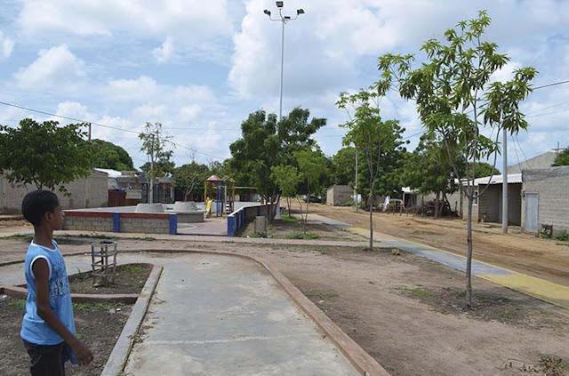 Llegó con fuerza el agua a 30 barrios de la comuna 10 de Riohacha