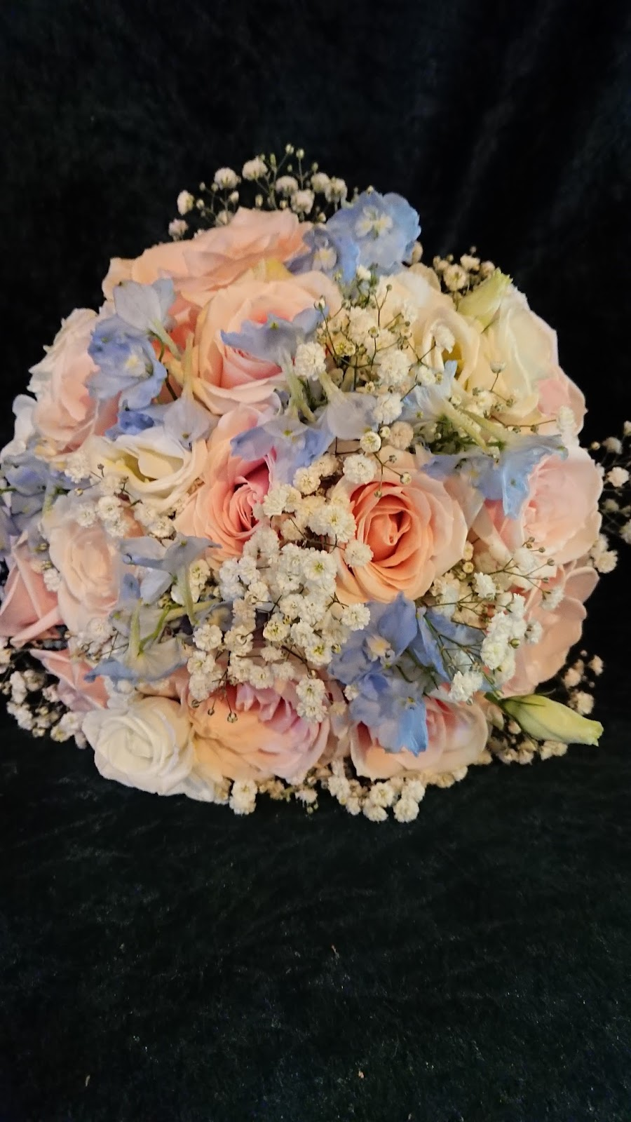 Sandras Flower Studio Pale Pink Blue And Ivory Wedding Flowers