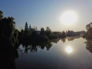 Браїлів. Річка Рів. Свято-Троїцький монастир