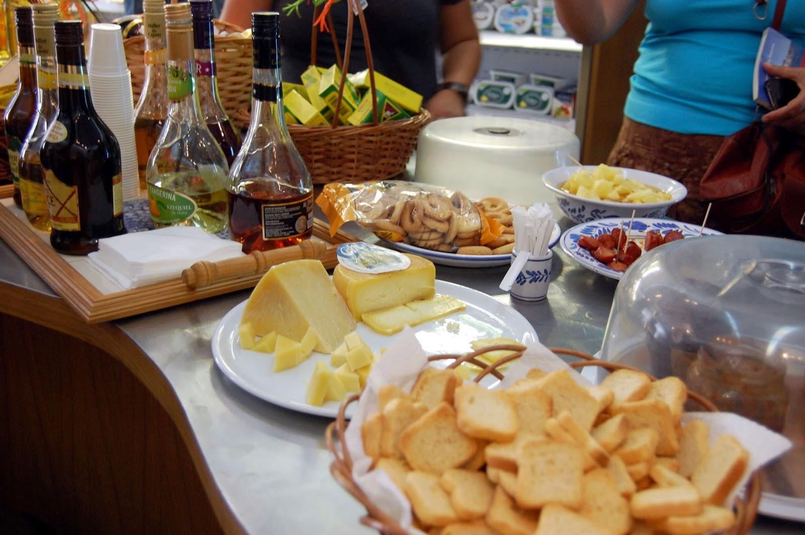 Stitch & Bear - Eat Drink Walk Petiscos Lisbon - Liqueur and cheese tasting