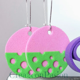 Pendientes-queso-rosa-goma-eva-o-foami-Crea2-con-pasion