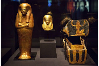 Tiny coffins found in Tutankhamun's tomb are thought to belong to stillborn daughters.
