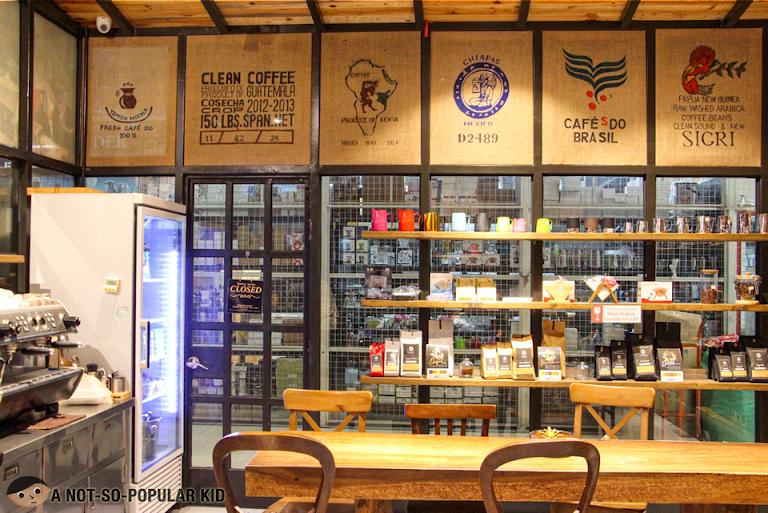 Blue Wonder Cafe in Cartimar, Pasay