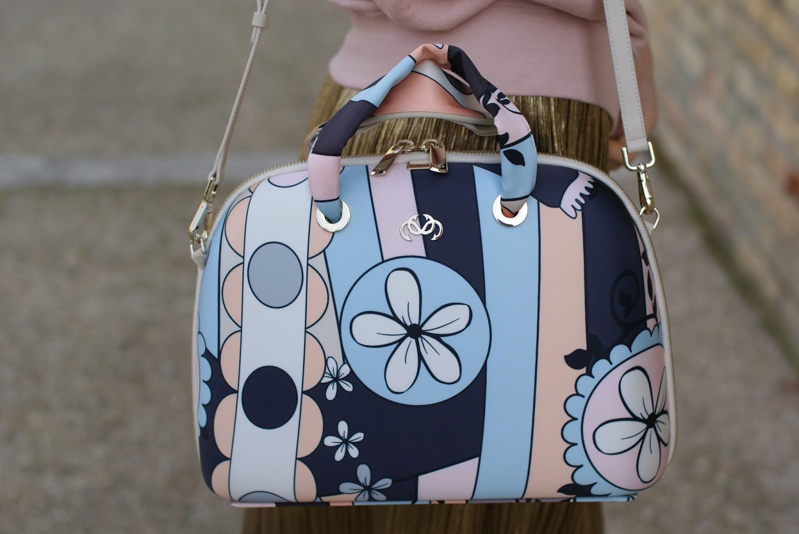 Salce 197 Movida Pattern bag in pastel colors on Fashion and Cookies fashion blog, fashion blogger style