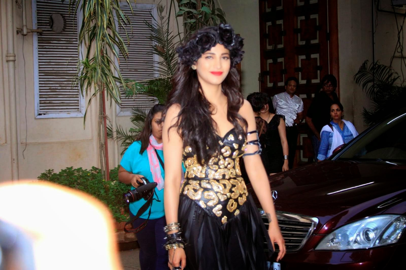 Actress Shruti Hassan Latest Cute Hot Exclusive Spicy Photos Gallery At Welcome Back Sets