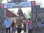 Cicit Raja Sisingamangaraja XII Jalan Kaki dari Toba ke Jakarta Serukan Tutup TPL