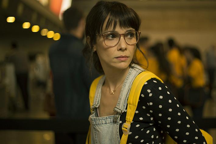Depois a Louca Sou Eu: filme baseado no livro de Tati Bernardi traz uma millennial em batalha diária consigo mesma