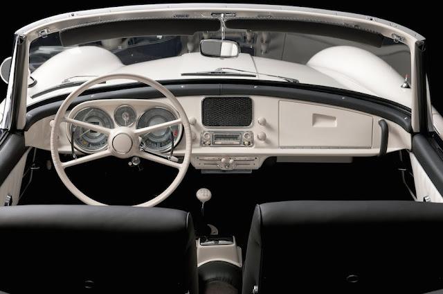 BMW、エルヴィス・プレスリーの愛車「507」をレストアして披露へ!