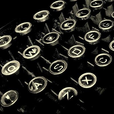 http://1.bp.blogspot.com/-fUa9Lzatx14/TkN5BnGhtHI/AAAAAAAABaQ/jWFWmg_N06c/s1600/Maquina%2Bde%2BEscribir%2B2011_o.jpg