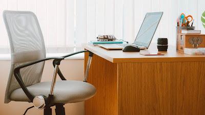 Cara Meningkatkan Pencahayaan di Ruang Kerja Anda