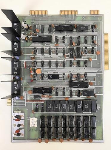 PET 2001-8 logic board