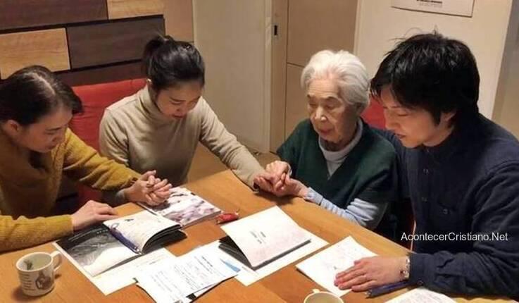 Familia japonesa cristiana