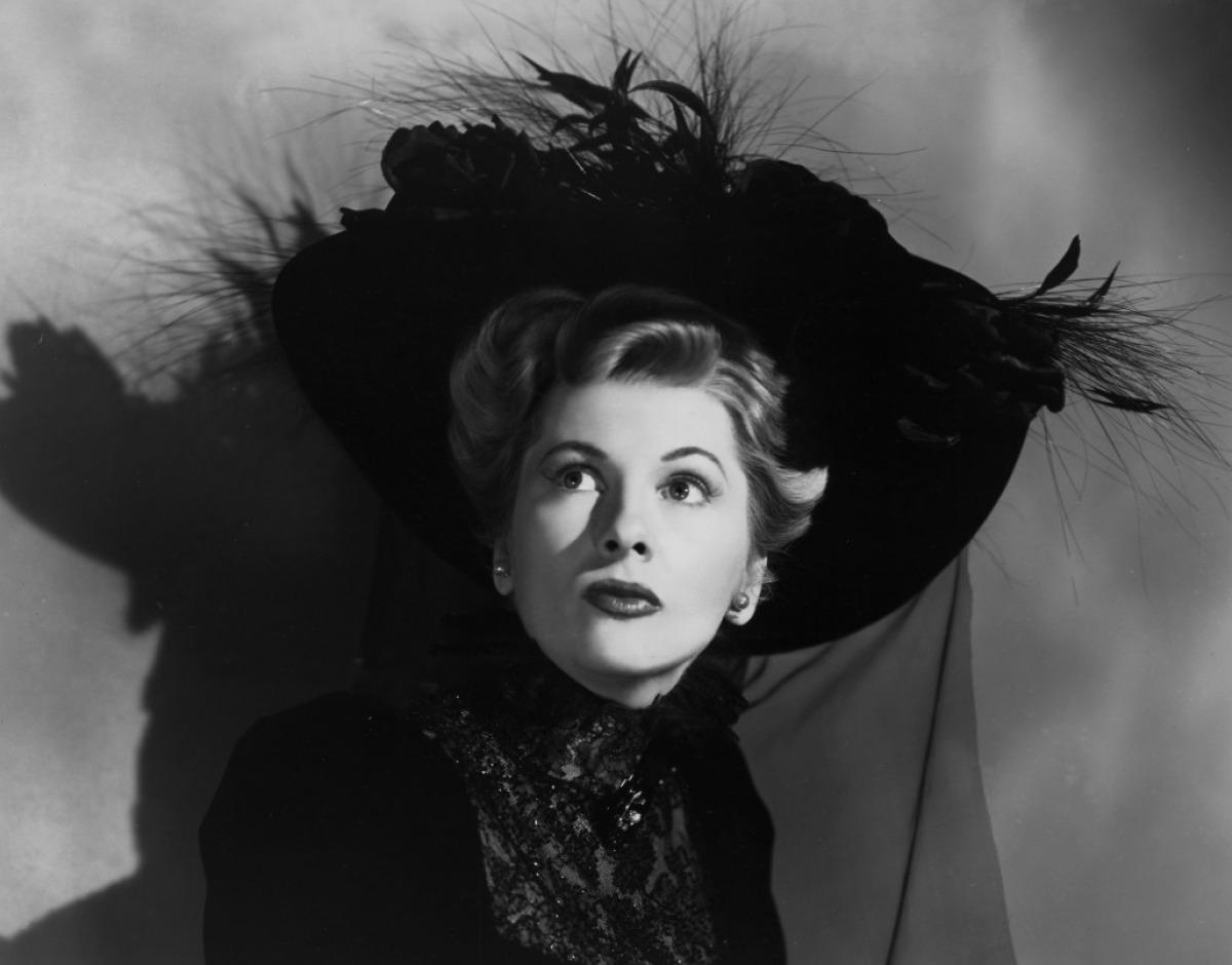 Dazzling Divas: Joan Fontaine