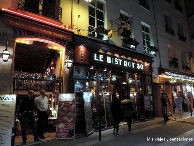 París de noche, el barrio latino