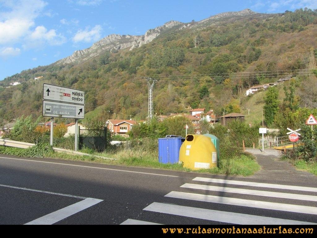 Ruta Baiña, Magarrón, Bustiello, Castiello. Cruzando la carretera y las vías de la FEVE