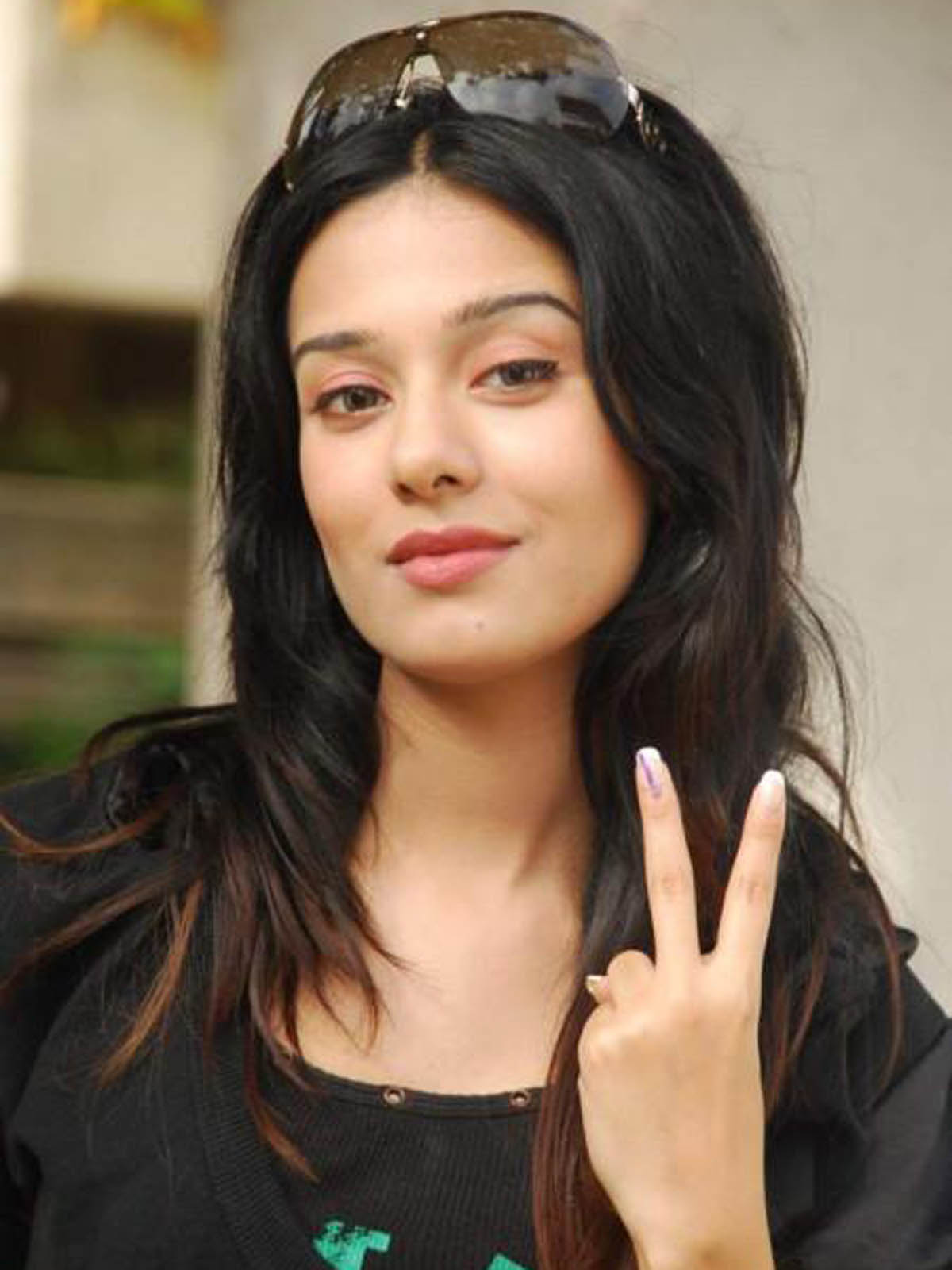 beautiful amrita rao hd wallpaper and new images download