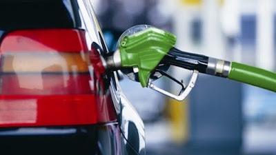 Цены на топливо на заправках быстро растут