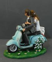 sposi torta nuziale statuetta personalizzata matrimonio milano orme magiche