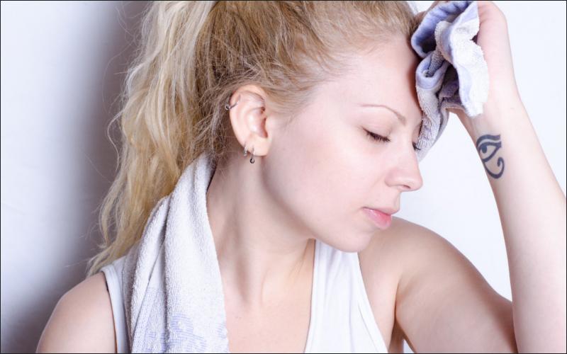 10代で抜け毛が多いとハゲ確率がUP?経験から原因と対策を考えてみた!