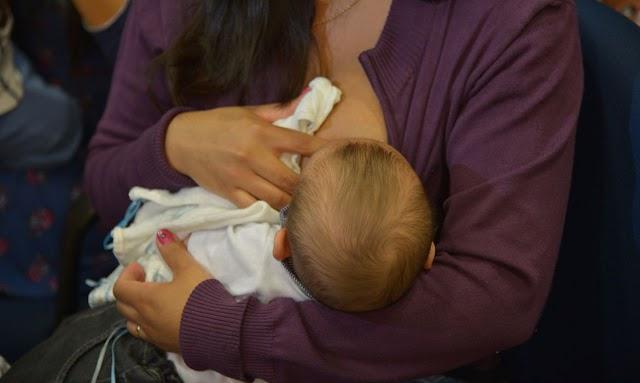 Mães lactantes de Santa Quitéria se unem para reivindicar priorização na fila da vacina; projeto foi aprovado na Câmara