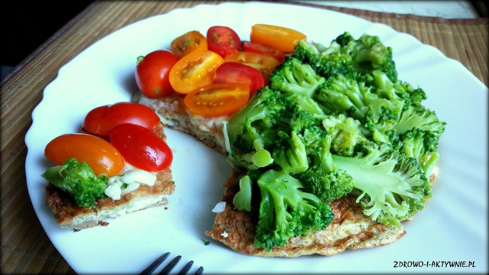 Żytni omlet z mozzarellą i warzywami