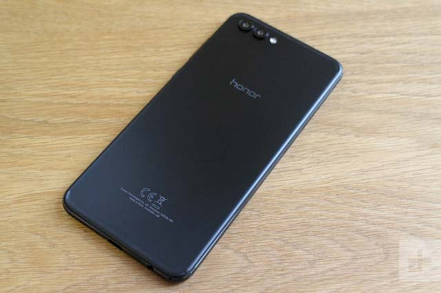 honor-10-same-design-at-huawei-p20-photo-reveled