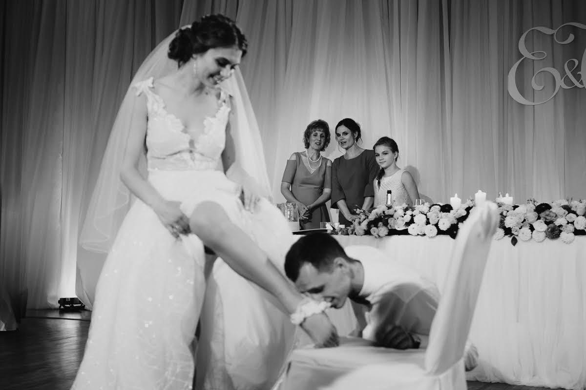 tradīcijas kāzās