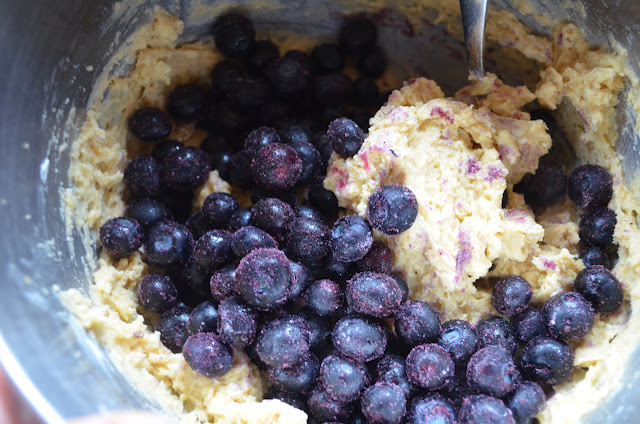 Blueberry-Oatmeal-Muffins-With-Steusel-Blueberries.jpg