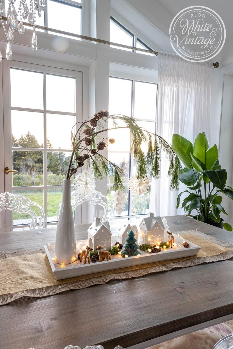Tischdeko für Weihnachten mit Lichthäusern
