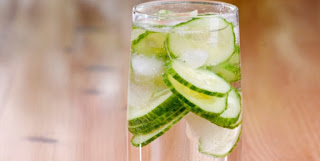 Kheera ka paani peene ke fayde. Benefits of Cucumber water  in Hindi.