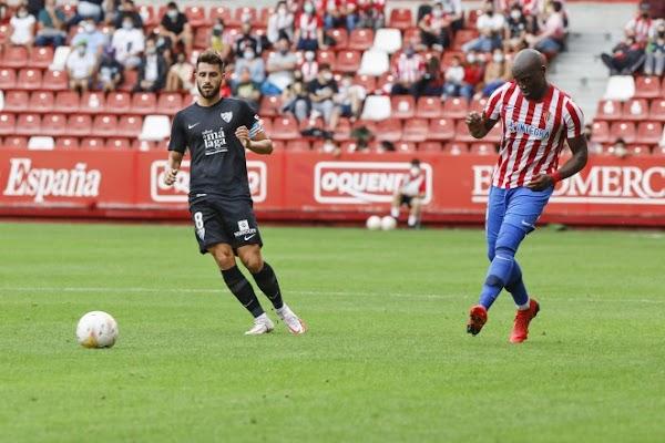 El Málaga da la cara con uno menos ante el Sporting (2-1)