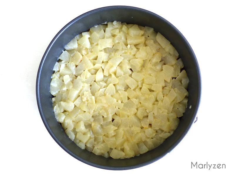 Ajoutez la couche de poires.