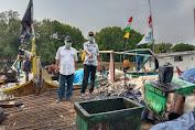 Agus Triyono Tinjau Tumpahan Minyak Pertamina Pesisir Pantai Muara Gembong