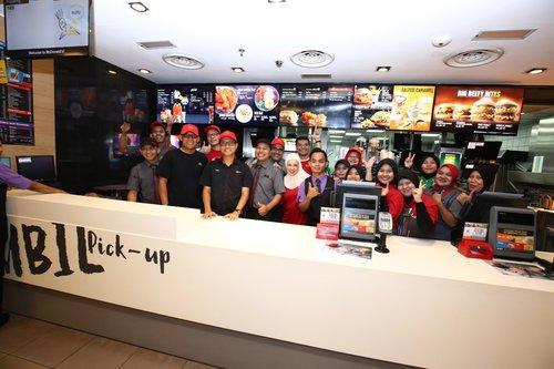 Hari McD Turun Padang Acara Tahunan Hargai Pekerja di McDonalds
