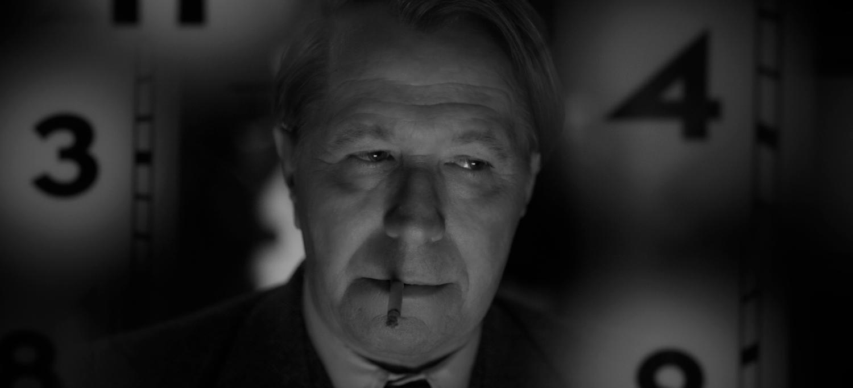 MANK, la película en blanco y negro de David Fincher - Gary Oldman