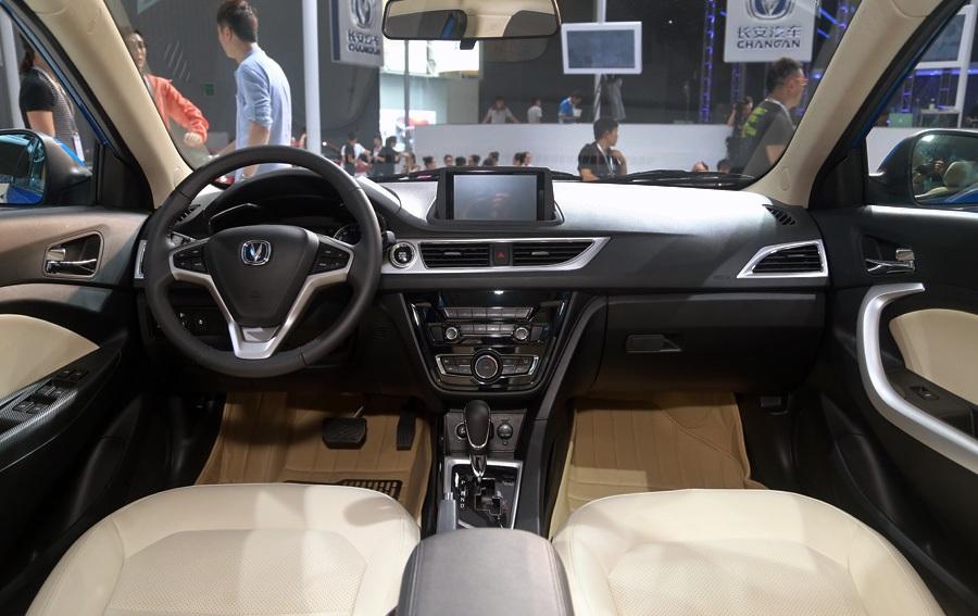 سيارة شنجان V7 2017