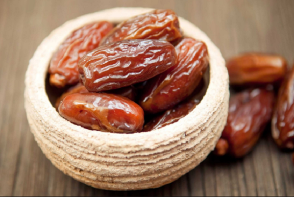 Benefits of dates on the stomach