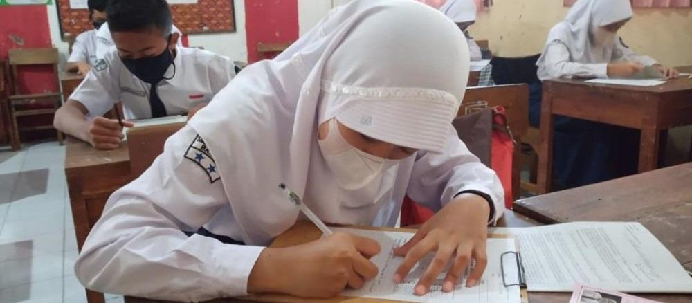 Soal dan Kunci Jawaban Ujian Sekolah (US)  Bahasa Indonesia SMP/MTS Tahun 2021/2022