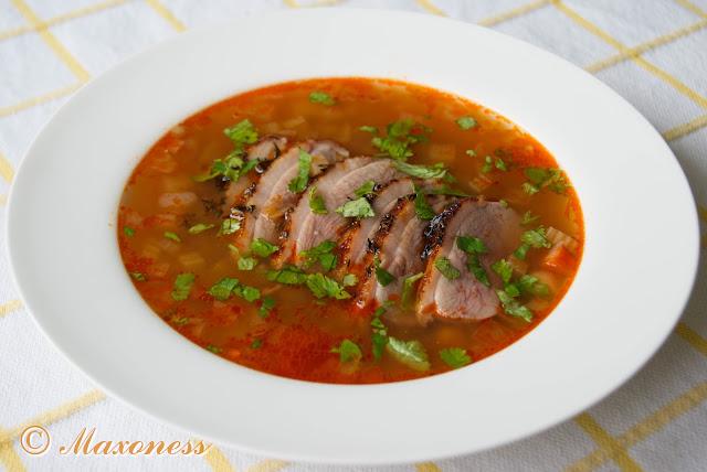 Суп с нутом, чечевицей и уткой