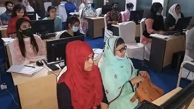 চট্টগ্রামে প্রিজম ও মহিলাদের হস্তশিল্প এবং কম্পিউটার প্রশিক্ষণ