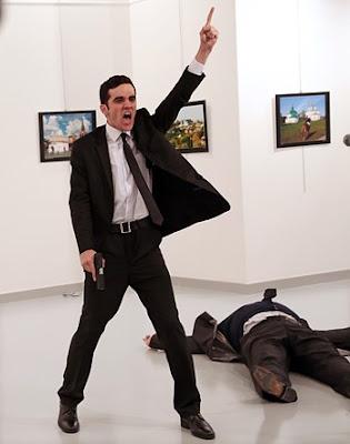 صورة إغتيال السفير الروسي تحصل على الجائزة العالمية للتصوير الصحفي