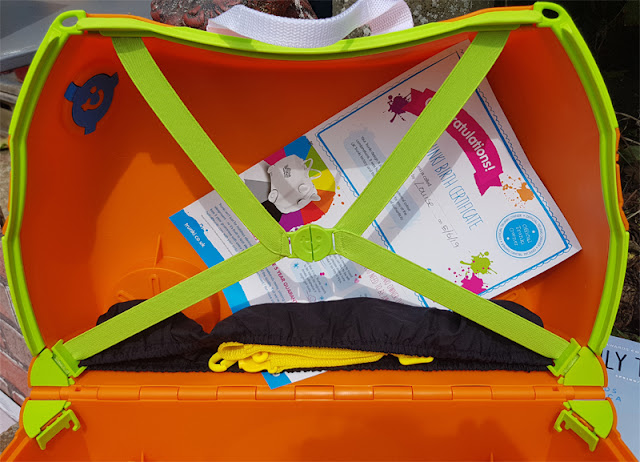 You can even select different colours for the inside of the Trunki
