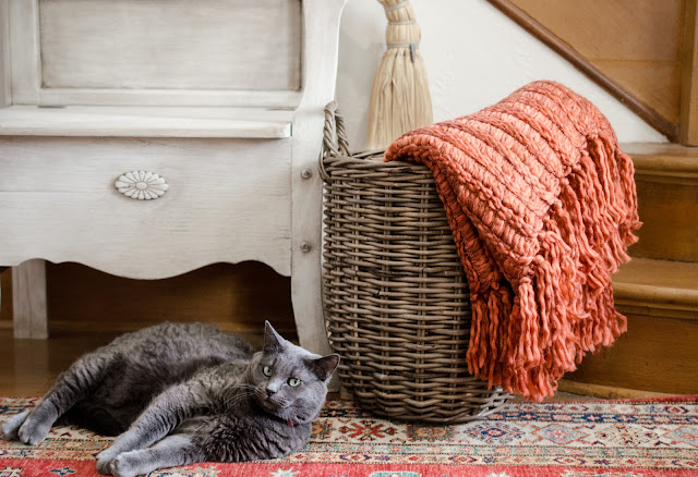 chunky- autumn- throw- in- basket
