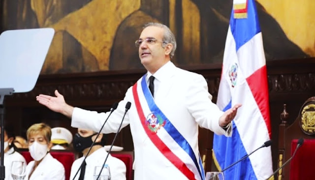 Luis Abinader aume la presidencia de la República Dominicana