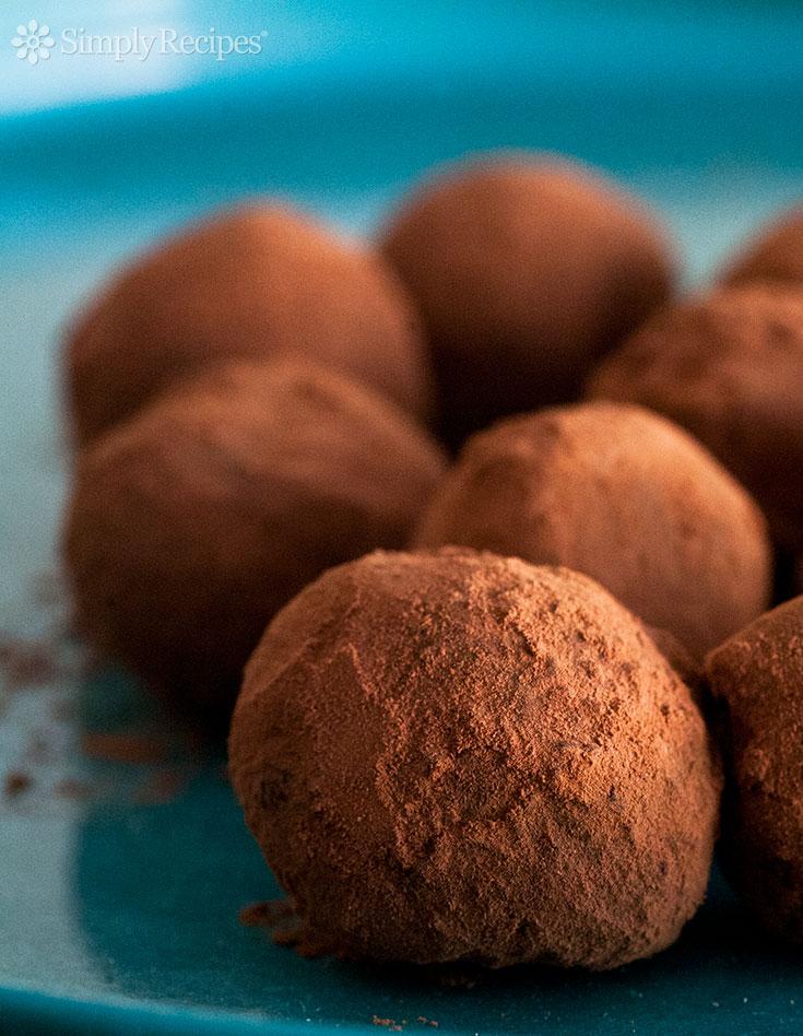 How to Make Homemade Chocolate Truffles